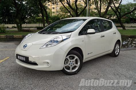nissan leaf singapore next generation nissan leaf can go from kl to singapore in