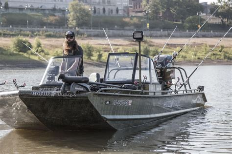 gator trax boat paint gator trax boats purpose built boats for the extreme
