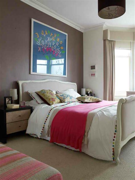 nachttisch französisch schlafzimmer design rosa