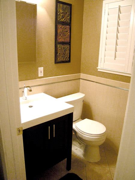 Decorating Ideas For Small Bathroom by Small Bathroom Design Ideas
