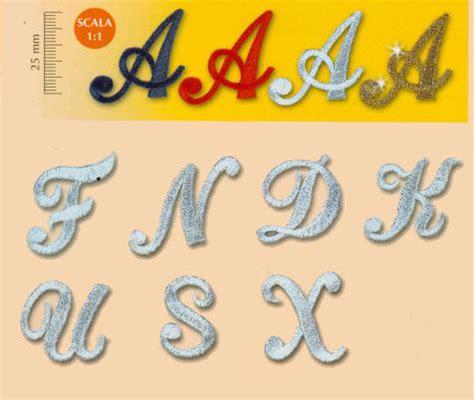 lettere ricamate applicazioni termoadesive lettere m 233 canisme chasse d eau wc