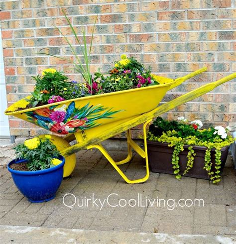 Wheelbarrow Planter Ideas by 1000 Ideas About Wheelbarrow Planter On
