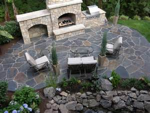 nice flagstone patio idea love the color contrast between