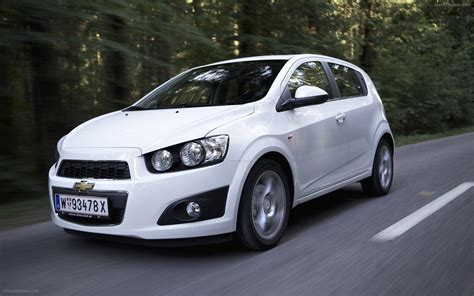 chevrolet aveo hb5 2012 widescreen car picture 13