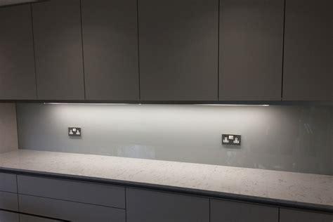 Grey Kitchen Kitchen Glass Splashback Coloured In Farrow And Ball