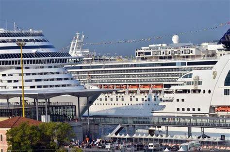 porto venezia crociere venezia grandi navi costa lascia persi 200mila