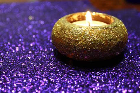 beautiful candles a dash of glitter beauty diys and more