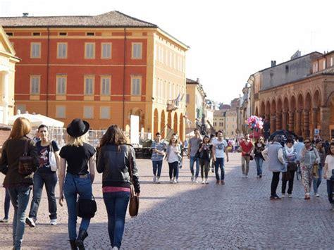 avvisi mobilità enti pubblici bologna 2000 unione delle terre d argine quattro avvisi