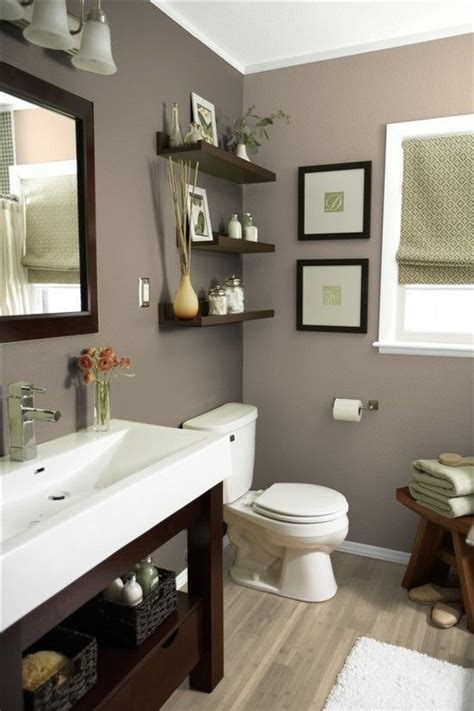 small bathroom wall color ideas 25 best ideas about bathroom colors on guest