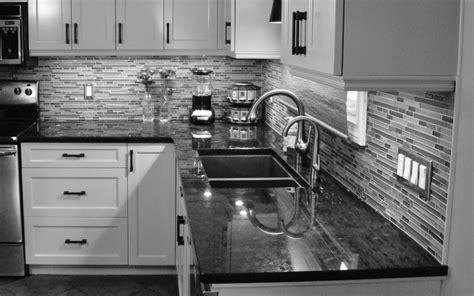 Design Ideas For Honed Granite Countertop Astonishing Stones Pattern Backsplash Also Gloss Varnished Honed Granite Countertops As Well As