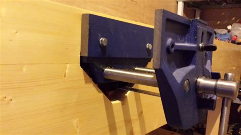 fitting a woodworking vice workbench build part 8 fitting the vice and jaw liners
