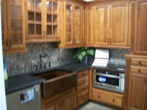 kitchen cabinet photo file kitchen cabinet display 2009 with bend jpg
