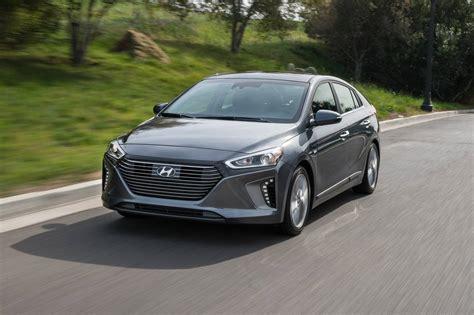 hybrid hyundai 2017 hyundai ioniq hybrid pricing for sale edmunds