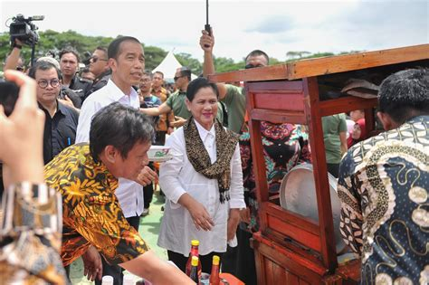 presiden hadiri gebyar bakso merah putih indonesia bersatu