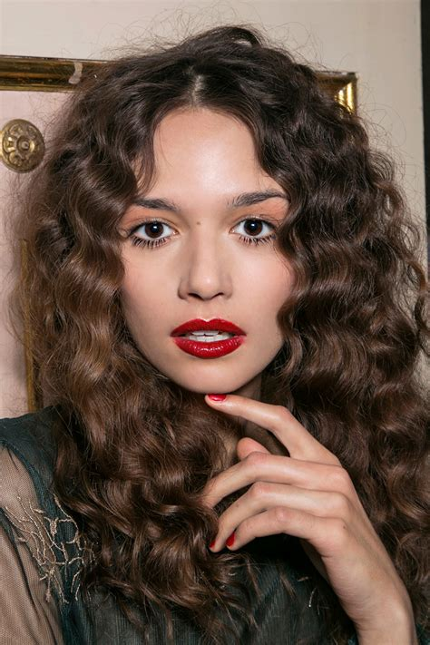 best hair color for curly hair the differences with coloring curly hair stylecaster