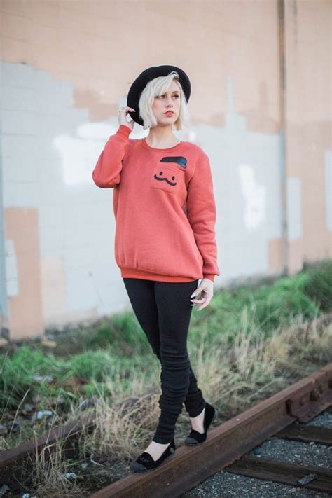 Loly Sweater alysz pepaloves sweatshirt american eagle outfitters loly in the sky flats