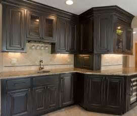 Distressed Kitchen Furniture Best 20 Distressed Kitchen Cabinets Ideas On