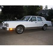 White 1988 Lincoln Town Car For Sale  MCG Marketplace