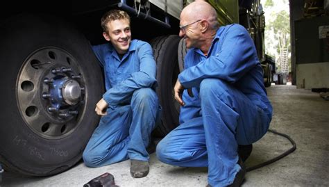 Garages Looking For Apprentices by The Importance Of An Auto Mechanic Apprenticeship