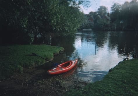 river thames kayak licence panoramio photo of river thames cing kayak trip from