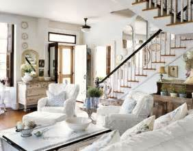 rustic shabby chic home decor friday favorites five shabby chic looks rustic crafts
