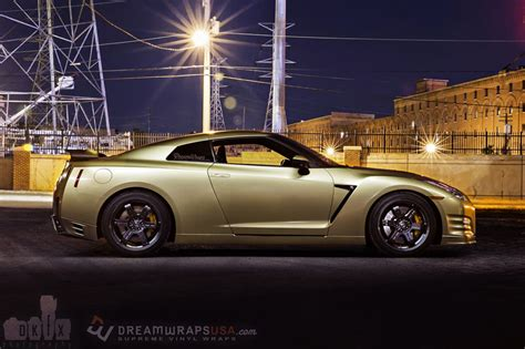 nissan gtr wrapped gold gold flake nissan gtr wrap wrapfolio