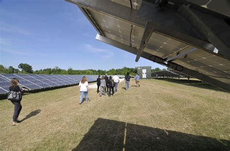tennessee s largest solar farm is officially openwest
