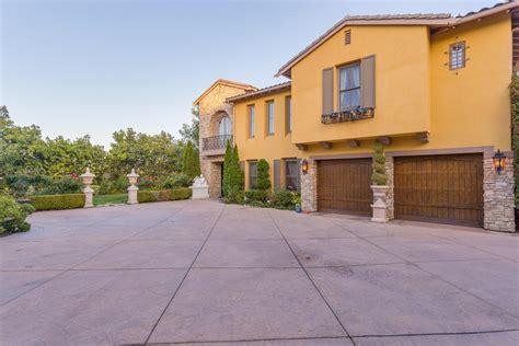 Mureau Estates In Desirable Calabasas California Luxury Luxury Homes For Sale In Calabasas Ca