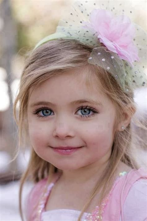 lovely baby girl kids picture gallery cute babies pics wallpapers