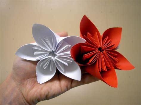 Folded Paper Flower - welcome home origami flower class