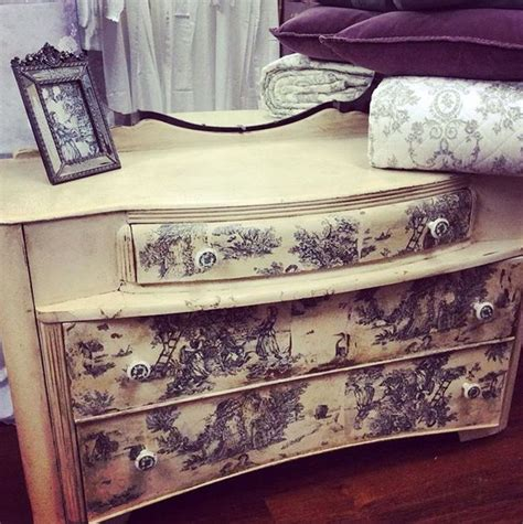chalk paint transfers 17 best images about transfer image painted furniture on