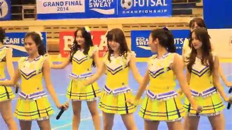 Gantungan Kunci Gingham Check Jkt48 fancam jkt48 gingham check team kiii futsal