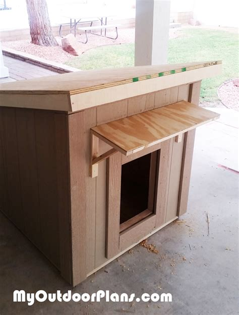 building insulated dog house diy large insulated dog house myoutdoorplans free woodworking plans and projects