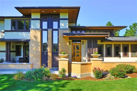 frank lloyd wright inspired homes frank lloyd wright inspired house craftsman entry