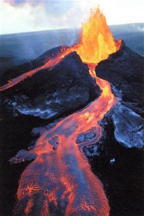 what s in a lava l big island volcano trip what is a volcano