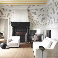 In this 19th century parisian apartment classic features are offset