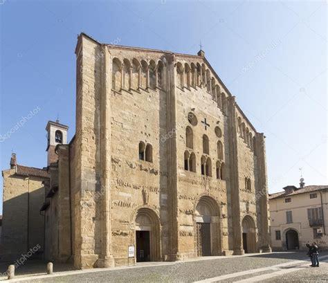 chiesa di san michele a pavia pavia basilica di san michele maggiore foto editoriale