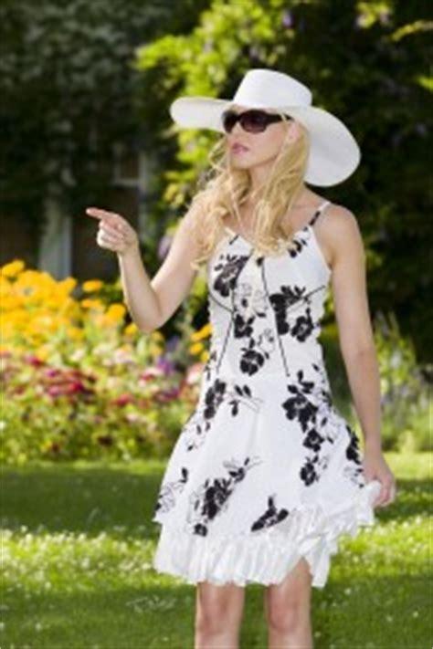 garden formal dress code what to wear to a garden