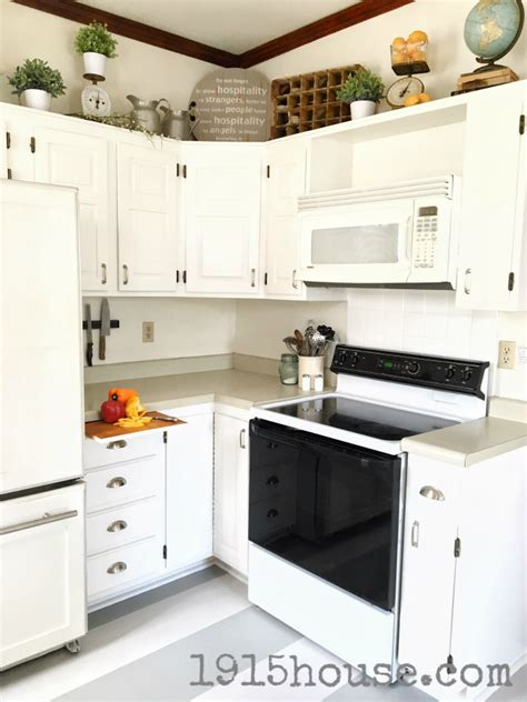 can you paint your kitchen cabinets can you paint your kitchen cabinets top chalk painted
