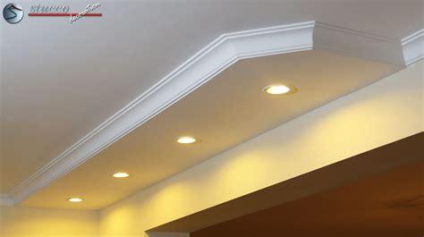 led spot beleuchtung mit styropor zierleisten - Beleuchtung Deckenbeleuchtung