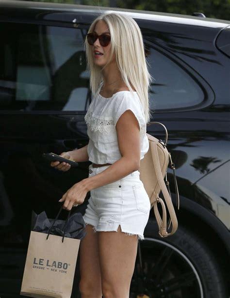 julianne hough hair stylist julianne hough in shorts at a hair salon 04 gotceleb