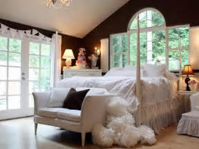 Master Bedroom Design Ideas On A Budget Budget Bedroom Designs Bedrooms Bedroom Decorating Ideas Hgtv
