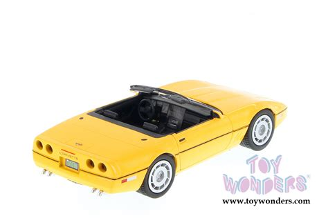 corvette collectibles 1986 chevy corvette convertible by showcasts collectibles