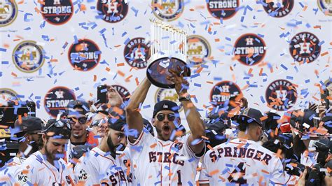 houston s team houston s title 2017 world chion astros books 2017 year end mlb team portfolio rankings yardbarker
