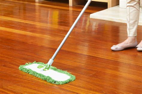 advice    clean  laminate floor
