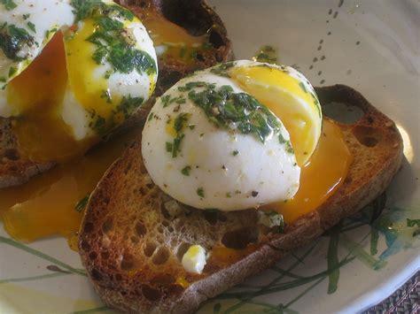 oeufs mollets estragon soft boiled eggs  tarragon