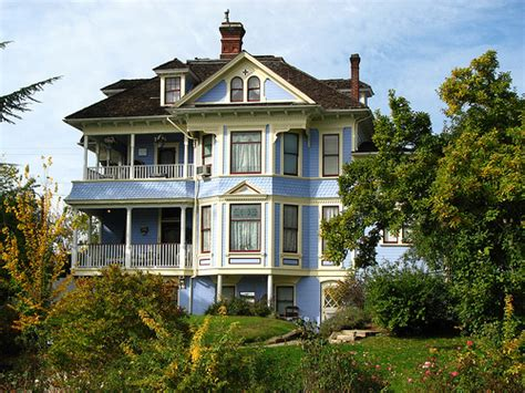 blue victorian house 23 impressive pictures of victorian houses