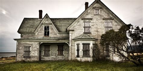 bomji and spotty s frightening adventure a story 5 haunted historical houses you can visit this