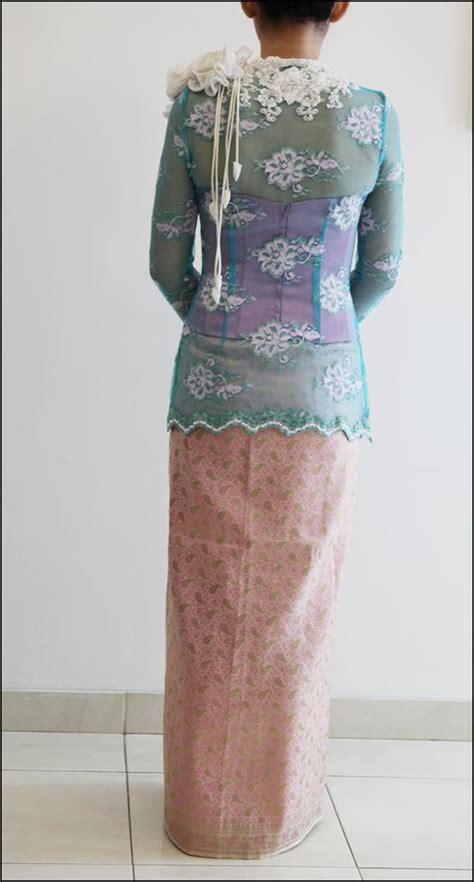 Kebaya Poppy by Inade Design Azure Poppy Kebaya