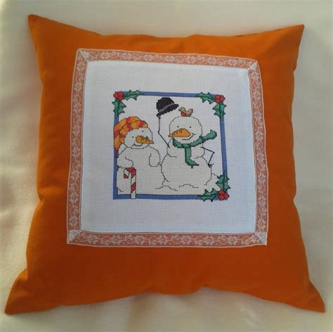 cuscino ricamato cuscino ricamato a punto croce per la casa e per te